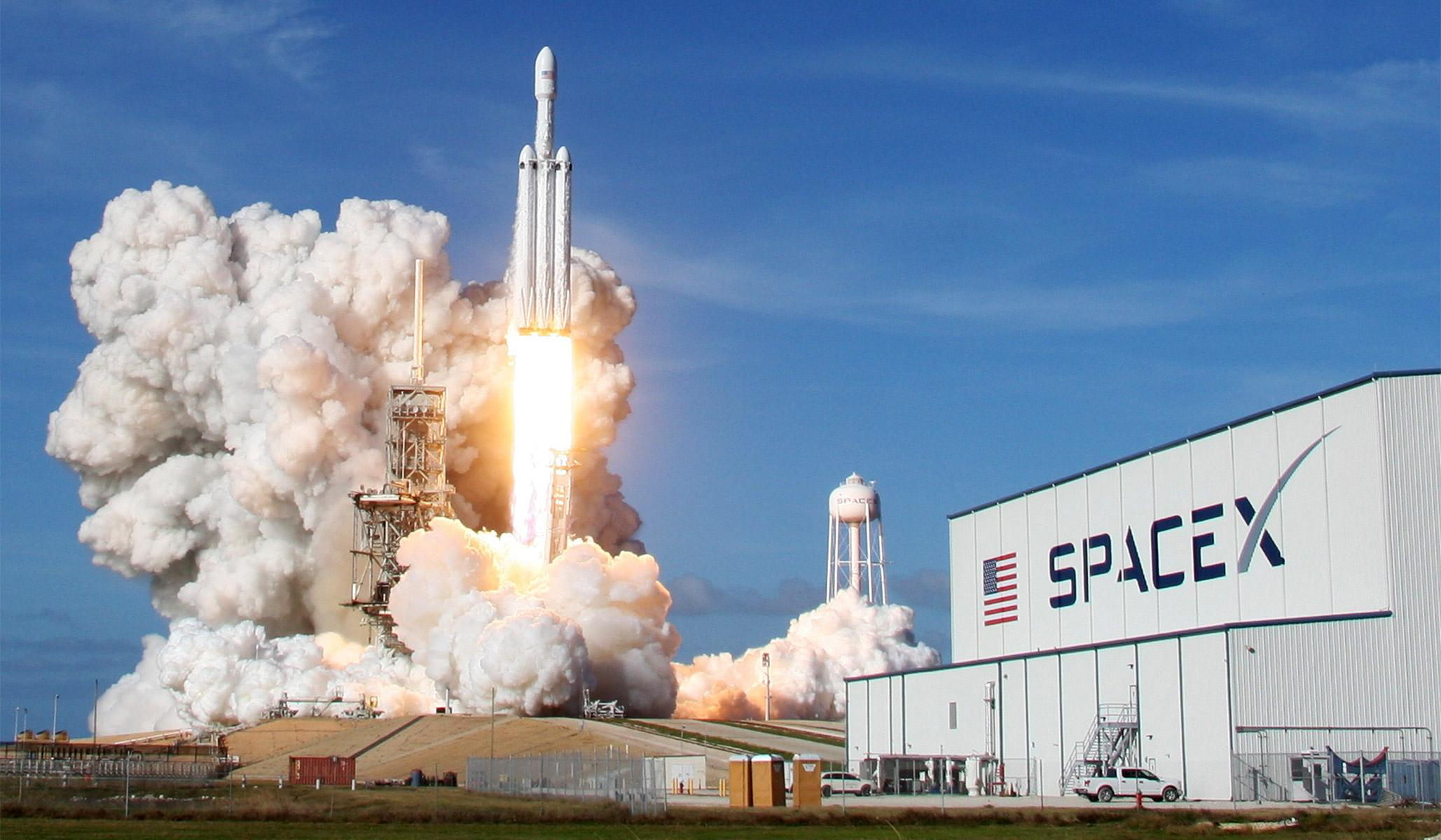 falcon-heavy-elon-musk-rocket-launch-reminder-american-potential